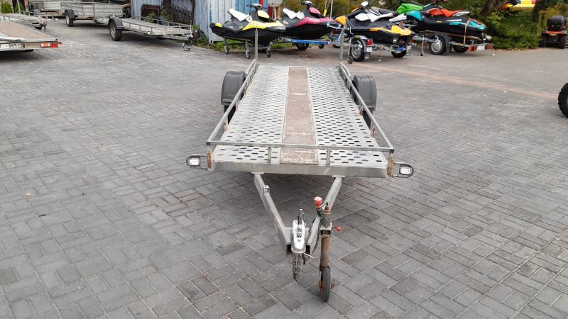 RB 1108 Piekabe platforma